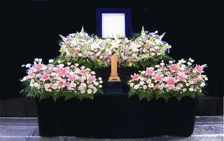 花祭壇 写真は花祭壇例です。 写真は花祭壇例です。 写真は花祭壇例です。 写真... 祭壇 葬儀